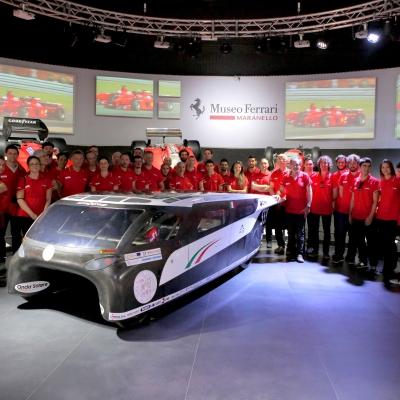 Emilia 4 - Presentazione in Ferrari 2
